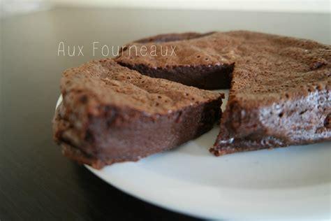 cuisiner au micro ondes gâteau au chocolat fondant caramel beurre salé aux fourneaux