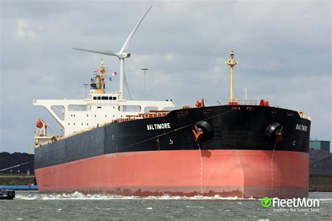 Capesize bulk carrier ransacked by pirates in South China ...