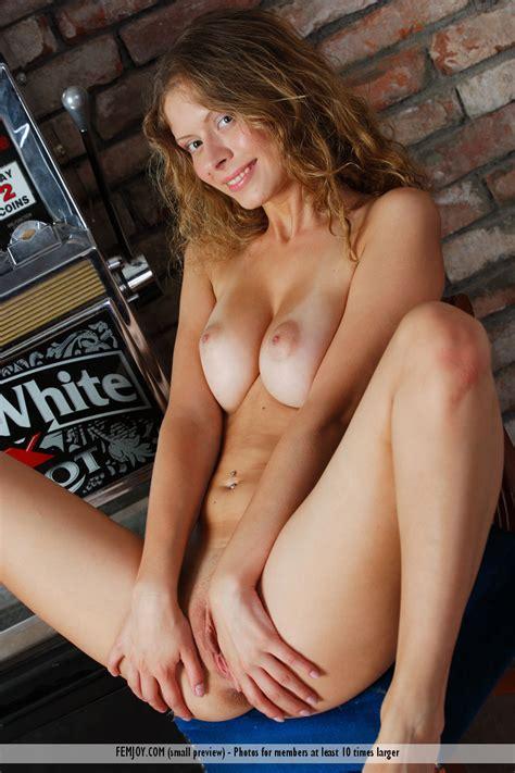 Naked Girl Slot Machine Hot Girls DB