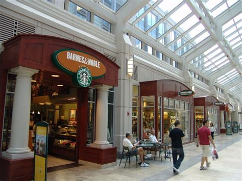 barnes and noble holyoke shops at prudential center boston massachusetts united