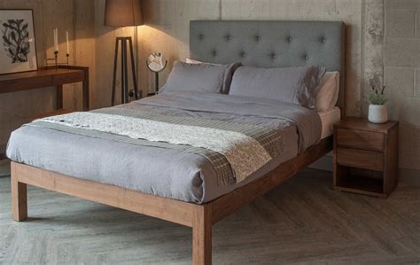 Bed Headboards by Buttoned Headboard Bed Bed