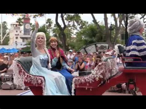 frozen royal  show parade sing   anna