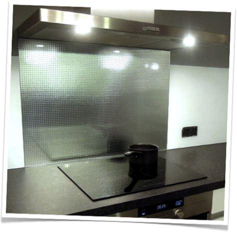 carre cuisine credence de cuisine en verre trempe