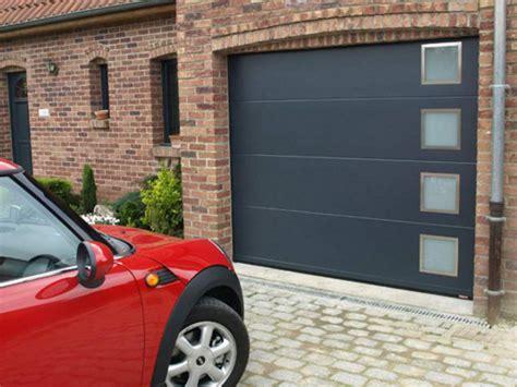 porte de garage isolante porte de garage sectionnelle avec motorisation somfy