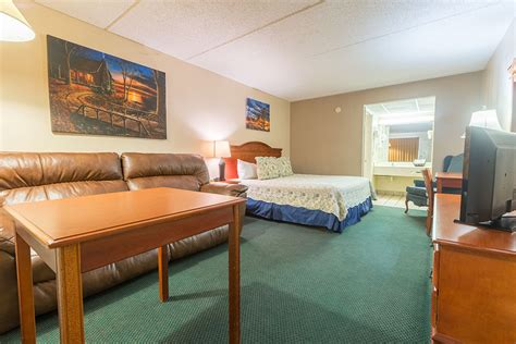 bedroom hotel rooms  pigeon forge tn wwwresnoozecom