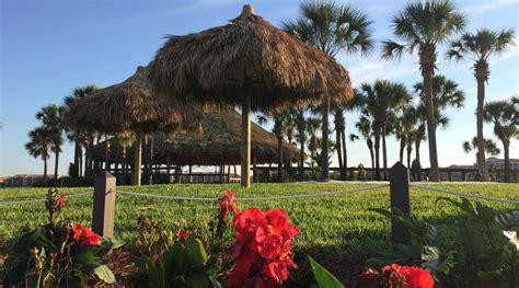 Tiki Hut Construction by Ronnie S Tiki Huts Get A Real Seminole Tribe Tiki Hut