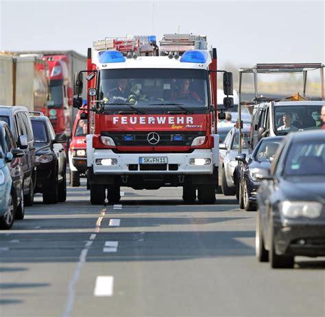 A10 Geisterfahrer Blockieren Rettungsgasse by A10 In Brandenburg Bis Zu Zwei Kilometer Autos Als