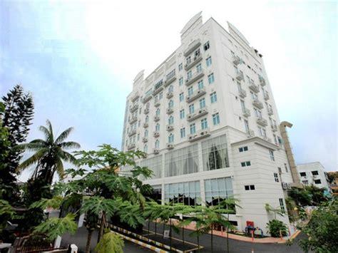 Rezime Crown Hotel by Crown Garden Hotel In Kota Bharu Room Deals Photos