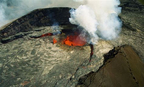 whats beneath hawaiis  active volcano penn state
