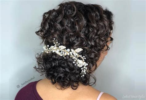18 Stunning Curly Prom Hairstyles For 2019