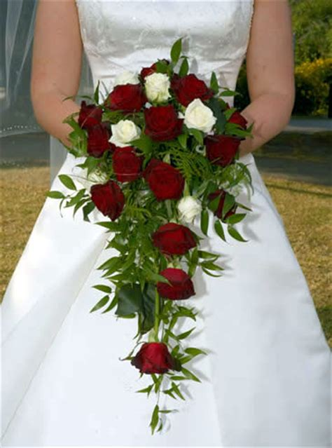 bouquet of flowers wedding ca wedding flowers 101 part i types of bridal bouquets
