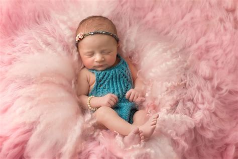 Newborn photography specialist in Whitby, North Yorkshire ...