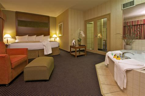 hotel in seattle with tub in room suite rooms and services