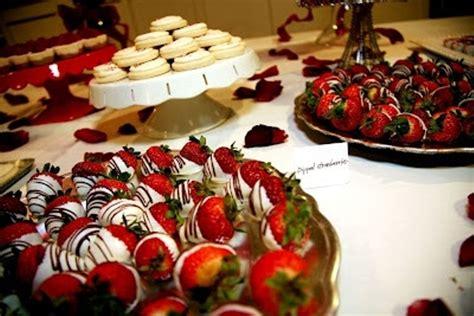 picture of delicious desserts for your winter wedding