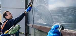 Fenster Putzen Essigreiniger : tipps zum fenster putzen endlich wieder klare sicht merbeck geb udereinigung ~ Whattoseeinmadrid.com Haus und Dekorationen
