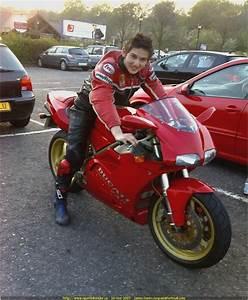 Ducati 748  916  996 Repair Manual 1994