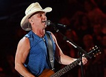 Kenny Chesney Kicks off 53rd ACM Awrads with 'Get Along ...