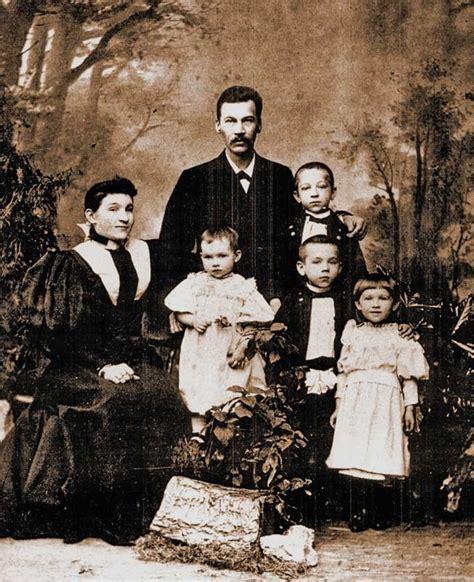 Tirgoņu Bobrovu ģimene