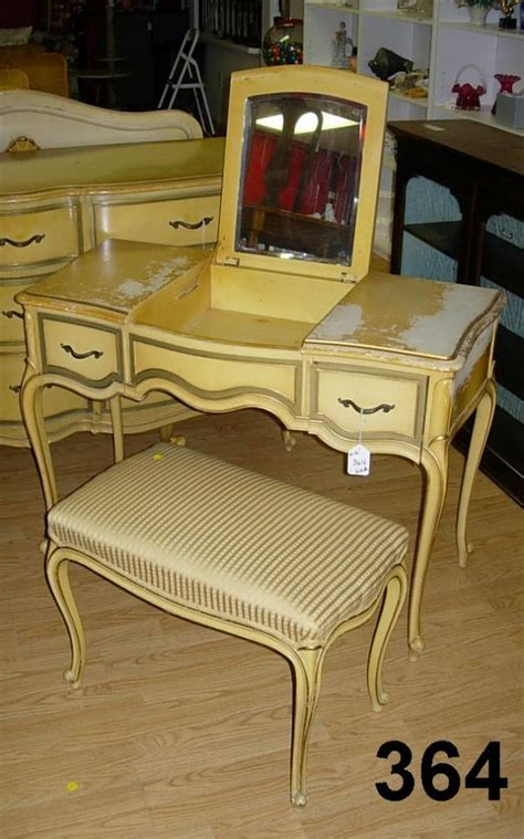 Drexel Heritage Dressing Table 90364 vintage drexel touraine vanity dressing table lot