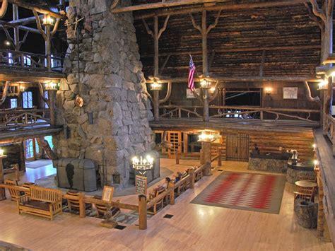 national fireplace faithful inn lobby 01
