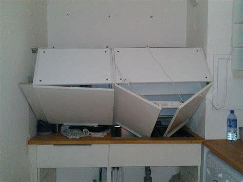 fixation meuble cuisine fixation meuble cuisine haut sur placo image sur le