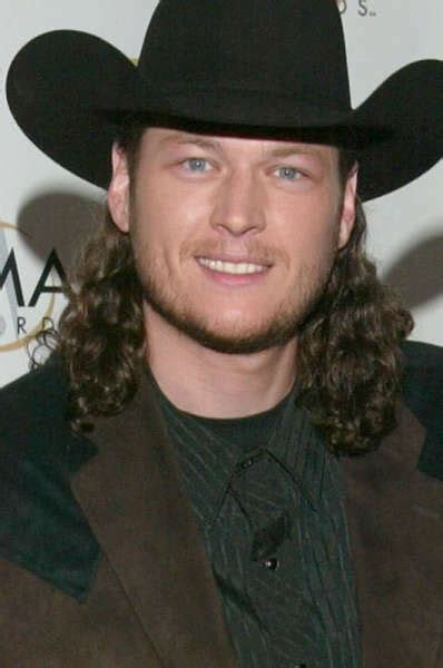 blake shelton height in feet blake shelton height weight age biceps size body stats