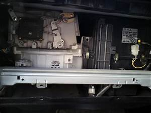 How To Replace The Cabin Air Filter Mitsubishi Galant 2001