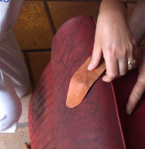 reparer griffe de sur canape en cuir mobilier table réparer un canapé en cuir déchiré