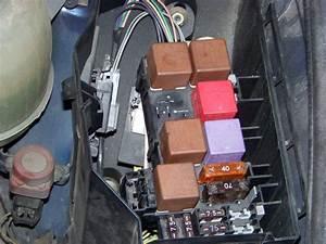 Relais Clio 2 : emplacement relais pompe de gavage renault m canique lectronique forum technique ~ Gottalentnigeria.com Avis de Voitures