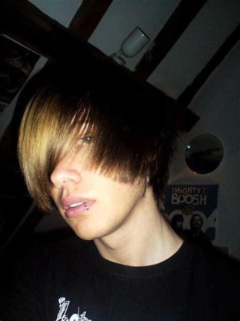 nice emo guys hairstyle