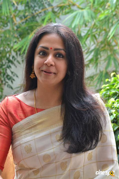 actress jyothika latest photos jyothika latest gallery 4