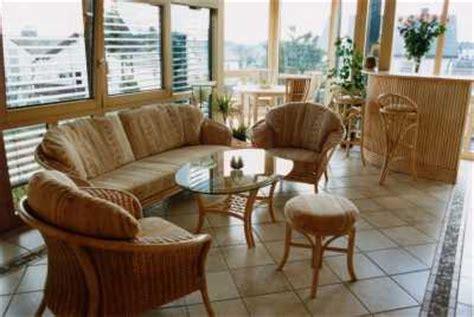 spiegel wohnzimmer wintergartenmöbel und rattangarnituren deutsche möbel für wintergarten modell wintergarten 08
