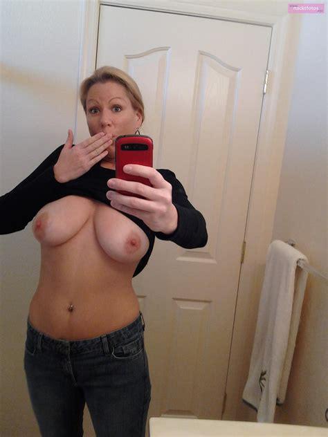 Titten selfis