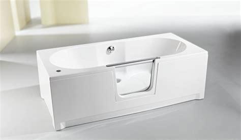 baignoire avec porte pour handicape baignoire 224 porte habitanova des baignoires design et ergonomiques