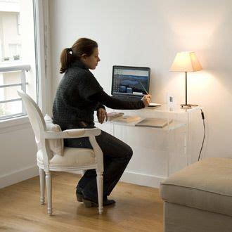 bureau en plexiglas bureau classique et bureau rustique meubles page n 2