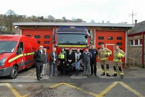 Can Firefighters Change Traffic Lights 999 Crews Get Green Light In Holmfirth With Traffic