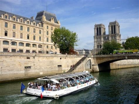 Discover The Quais De La Seine In Paris