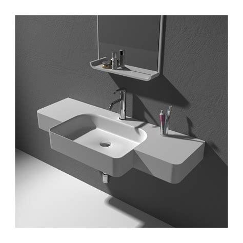 surface minimale chambre grand lave mains à suspendre avec vasque en débord centrée
