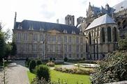 Palace of Tau - Wikipedia