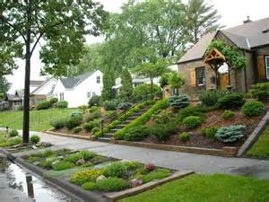 how to landscape front yard best 25 sloped front yard ideas on pinterest sloped backyard backyard hill landscaping and