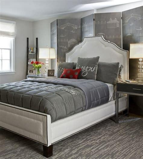 ag e chambre chambre gris et une chambre adulte très élégante