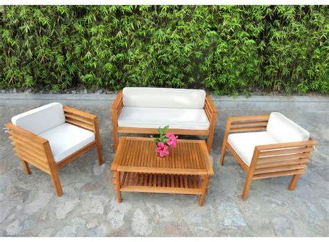canape de jardin en bois salons de jardin pas cher tables en résine bois teck
