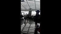 2013/11/02羅志祥飛往韓國part1 - YouTube