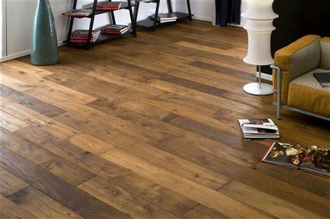 pavimenti in legno massello parquet massello o parquet prefinito pavimenti in parquet