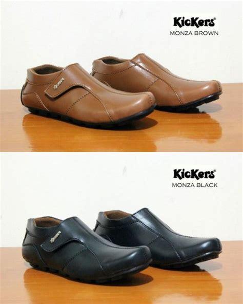 Sepatu Santai Gaya jual sepatu gaya pria kickers santai slip on 02 baru