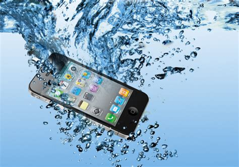 dropped my iphone in water how to save a phone dropped in water