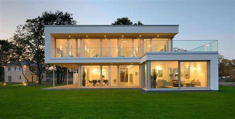 Moderne Häuser Mit Grossen Fenstern by Fertigh 228 User Mit Gro 223 En Fenstern Ideal Zum Wohlf 252 Hlwohnen