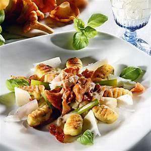 Mehlig Kochende Kartoffeln Rezepte : basilikum kartoffel gnocchi mit pfifferlingen und ~ Lizthompson.info Haus und Dekorationen