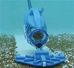 Aspirateur De Piscine Electrique : accessoires d entretien pour piscine les indispensables ~ Premium-room.com Idées de Décoration