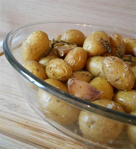 cuisiner pomme de terre grenaille pommes de terre grenaille au four